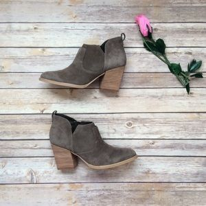 Marc Fisher LTD suede heel ankle boots 7.5M
